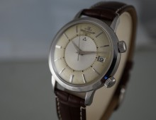 Jaeger-LeCoultre Memovox automatic date with box