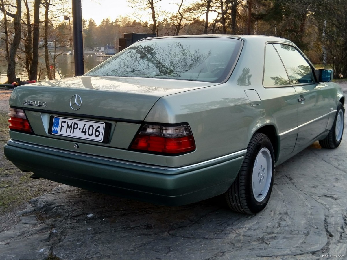 Mercedes-Benz-230-447bc643176f83fd-large