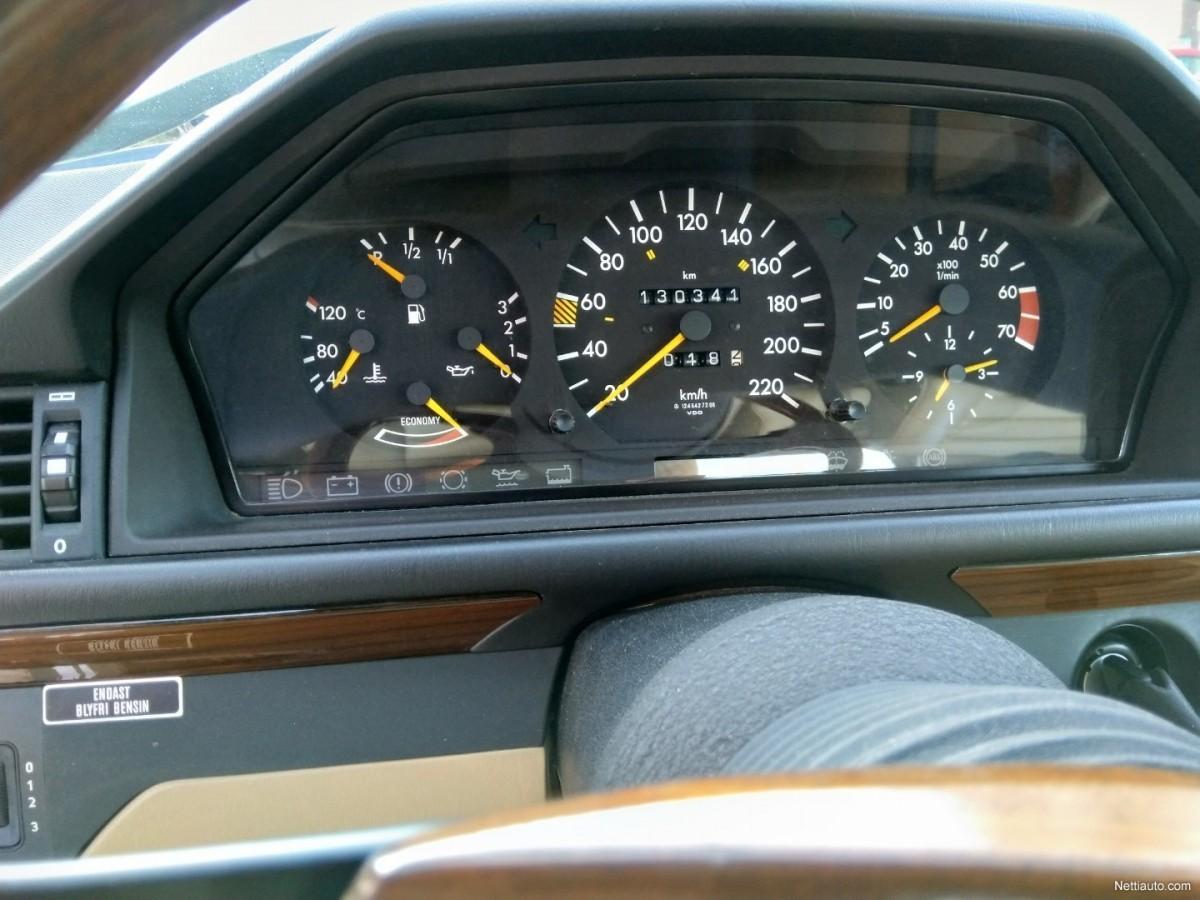Mercedes-Benz-230-7b251e8195f144de-large