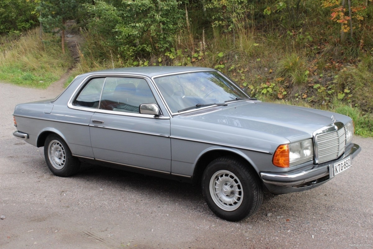 Mercedes-Benz-230-a85d1316e4a26860-large